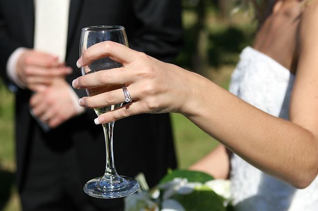 esküvői videós